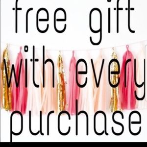 Free Gift With Every Purchase over $20